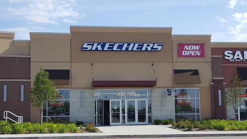 Skechers 2901 Crescent Dr #107, Lincoln