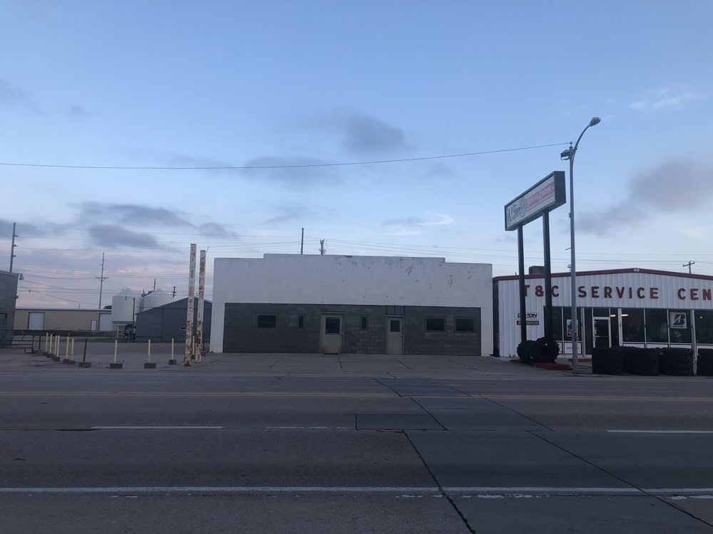 Town & Country Service Center 410 W 1st St, Ogallala