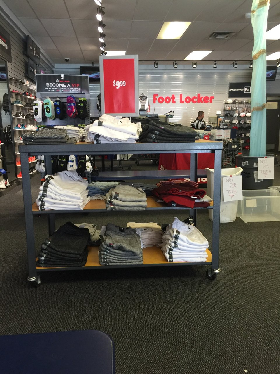Foot Locker 560 Broadway, Bayonne