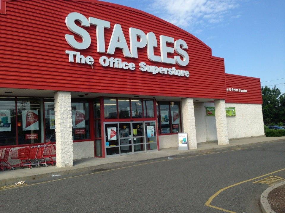 Staples 280 NJ-17 North, East Rutherford