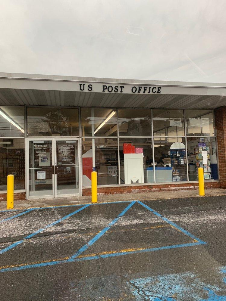 United States Postal Service 121 Kinderkamack Rd, River Edge