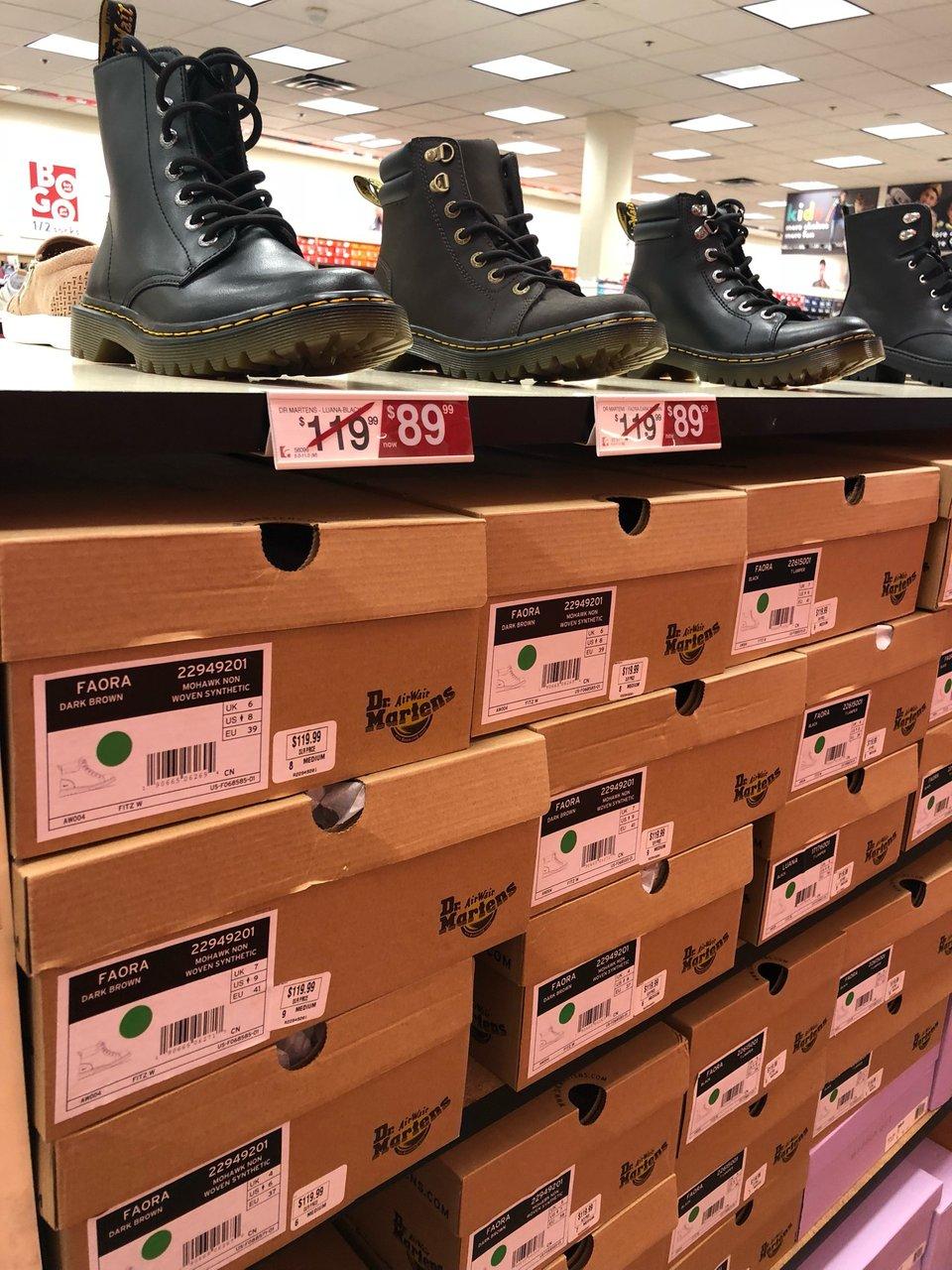 Famous Footwear 1300 W Sunset Rd, Henderson