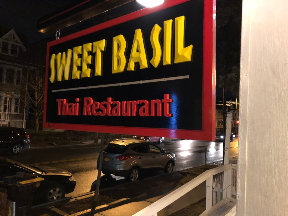 Sweet Basil Thai Restaurant 370 Delaware Ave, Albany