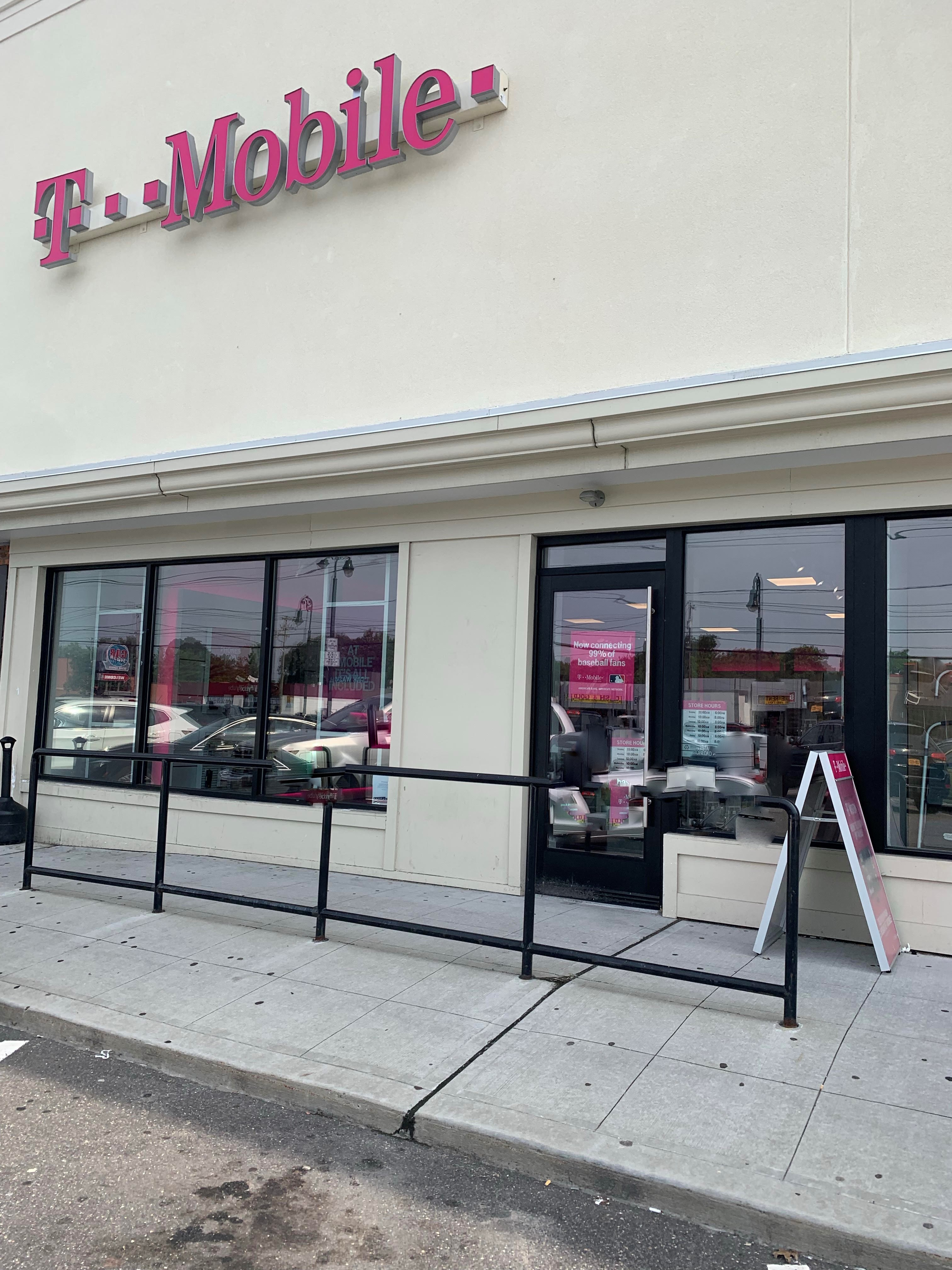 T-Mobile East Meadow