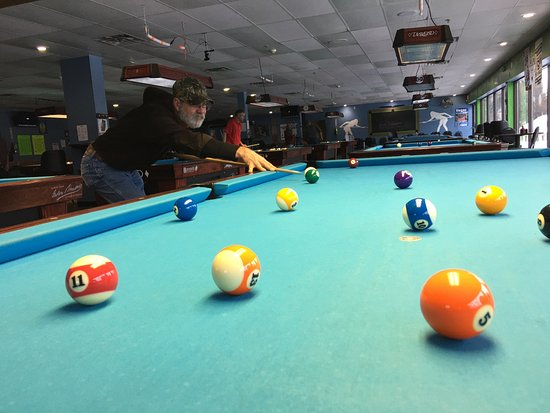 Diamond Billiards Bar & Grill