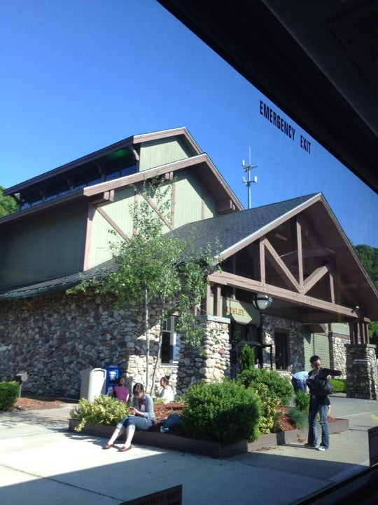 Starbucks mile post 6N, New York State Thruway, Hastings-On-Hudson