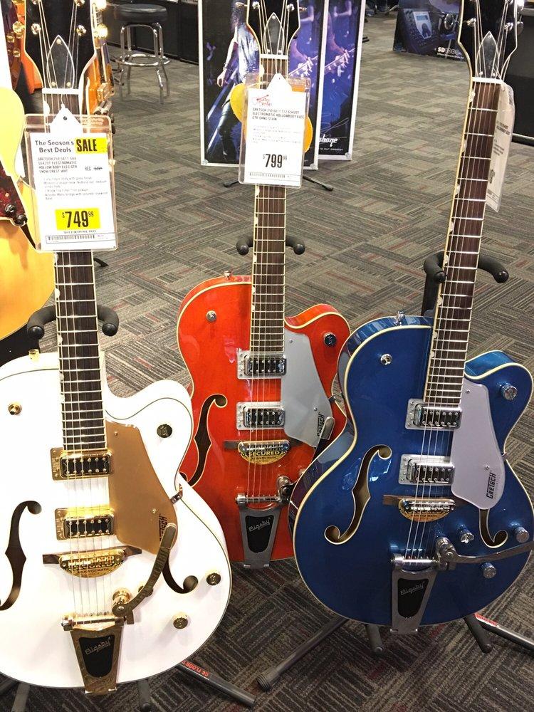 Guitar Center 218 W 44th St, Manhattan