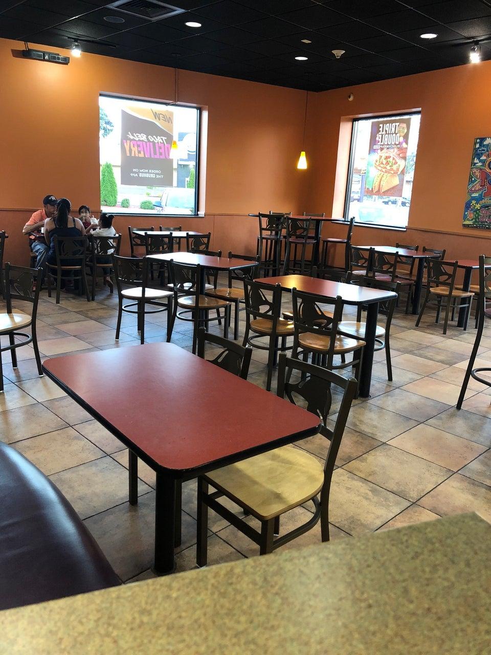 Pizza Hut 1709 Merrick Rd, Merrick
