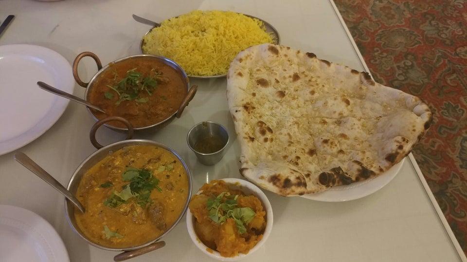 India House Restaurant 7343 NY-96, Victor