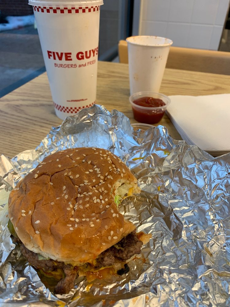 Five Guys 405 Commerce Dr, Victor