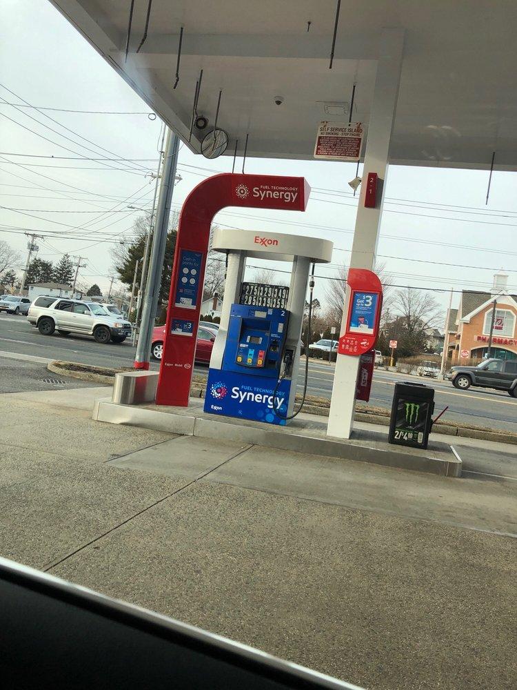 Exxon 2 Old Country Rd, Westbury