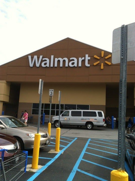 Walmart 1220 Old Country Rd, Westbury