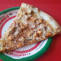 Famous Famiglia Pizzeria (White Plains)