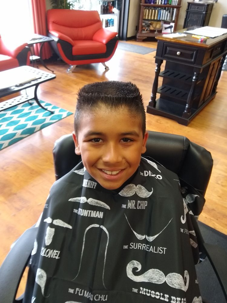 Dudes And Divas Barber And Style Shop