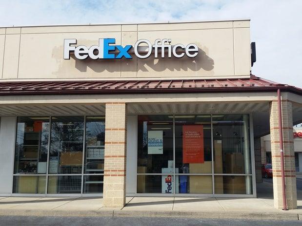 FedEx 301 S Cedar Crest Blvd, Allentown