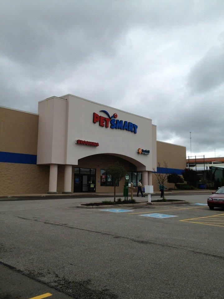 PetSmart 7451 Peach St, Erie