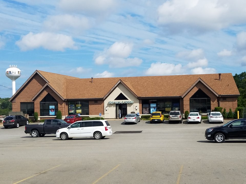 Barnes & Noble 5909 Peach St, Erie