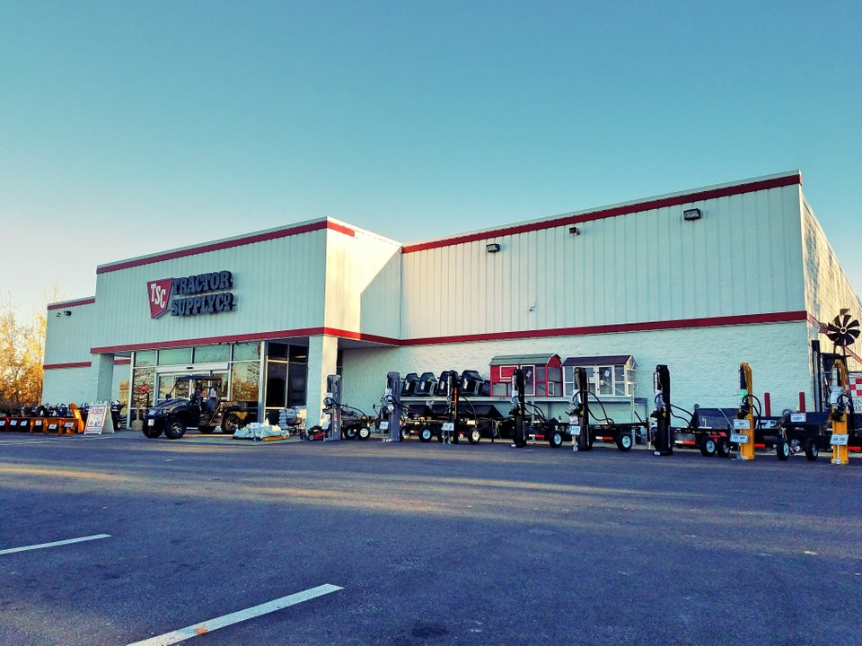 Tractor Supply 2275 Downs Dr, Erie