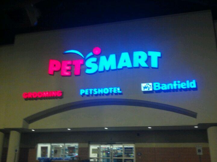 PetSmart Lancaster