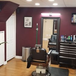 Fialho's Barbershop