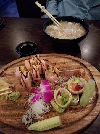 Fortune Asian Bistro: Sushi & Bar