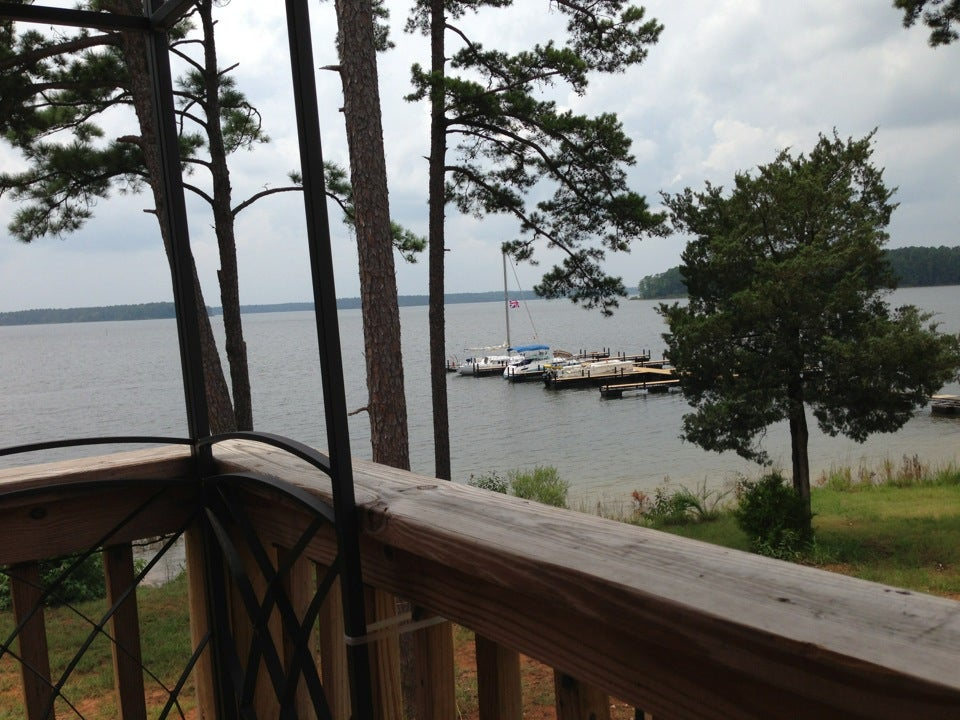 Lakeside Grill 193 Yacht Club Dr, Plum Branch