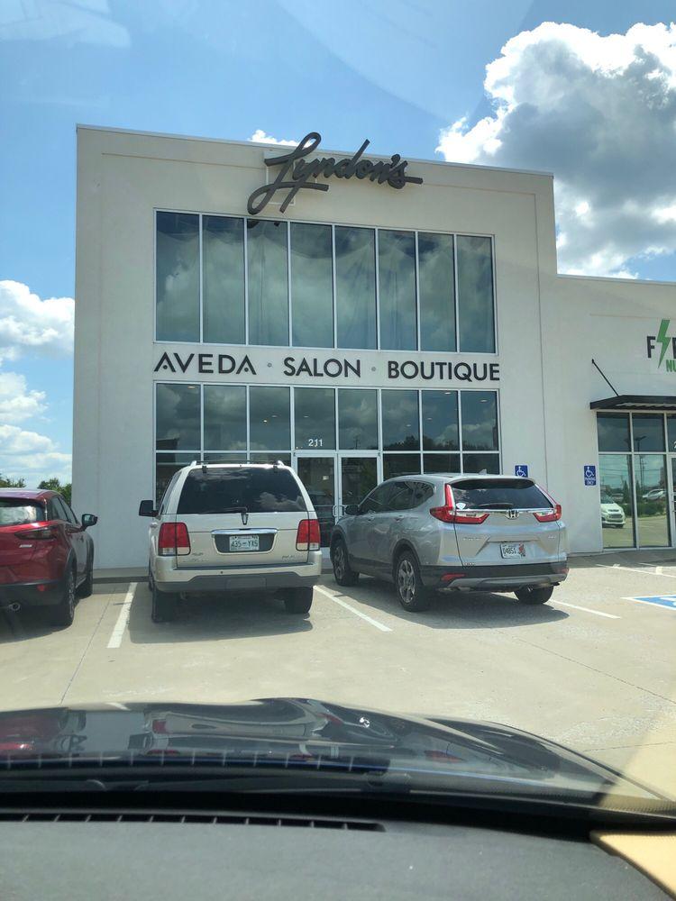Lyndon's Salon & Boutique