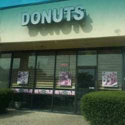 Collins Donuts