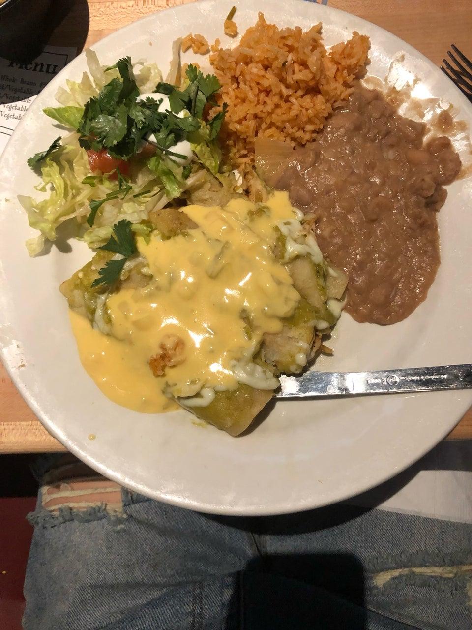Lucy's Cafe West 6600 N Mesa St #401, El Paso