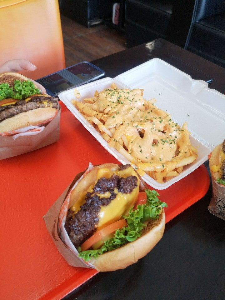 Orange Cow Burgers 955 N Resler Dr ste 110, El Paso