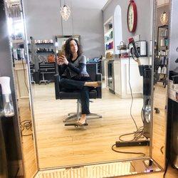Blondie's Salon