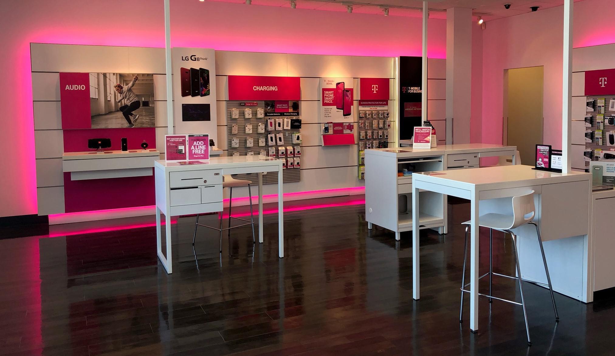 T-Mobile 11507 South, Pkwy Plaza Dr #100, South Jordan
