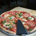 Primavera Pizzeria and Grill