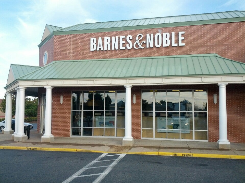 Barnes & Noble 1220 Carl D. Silver Pkwy, Fredericksburg