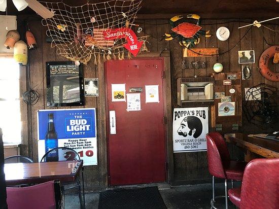 Poppa's Pub & Restaurant