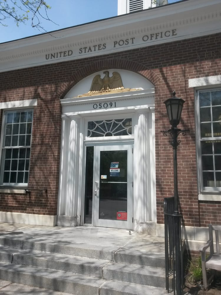 United States Postal Service 22 Central St, Woodstock