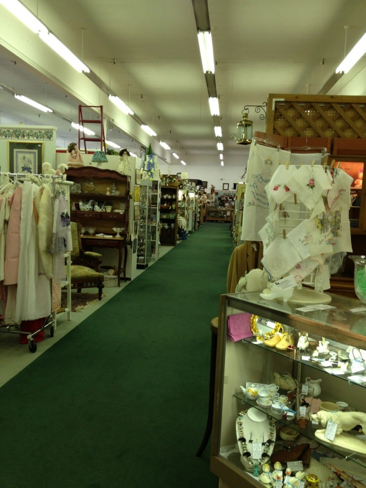 Tacoma Antique Center At Fife Llc 1414 54th Ave E, Fife