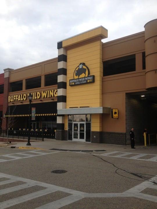 Buffalo Wild Wings 590 West Northshore Drive N-145, Glendale
