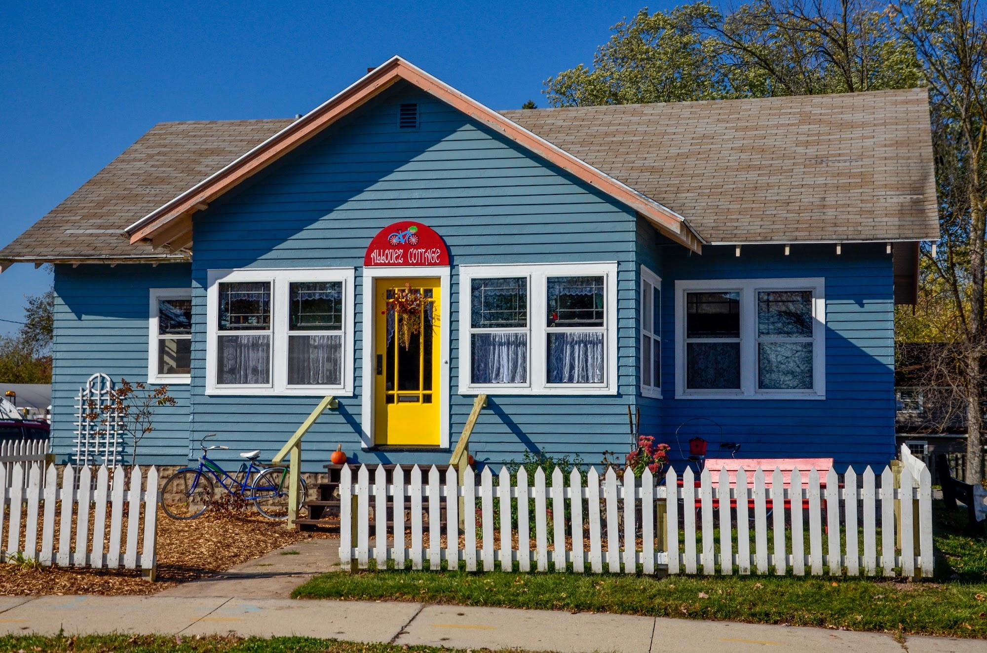 Allouez Cottage 1510 S Webster Ave, Green Bay