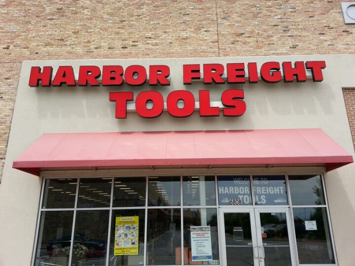 Harbor Freight Tools 6808 W Greenfield Ave, West Allis